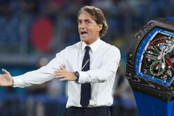 La montre à un demi-million d'euros de l'entraîneur italien Roberto Mancini : Le Chronographe Flyback Automatique RM 11-04 Roberto Mancini