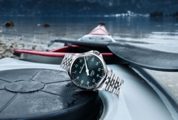 MeisterSinger's new Unomat is not only crazy water-resistant, but also anti-magnetic